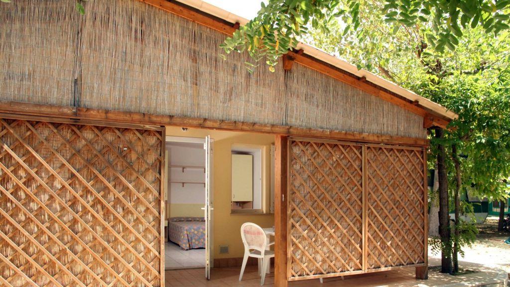 pineto-beach-village-camping-pineto-abruzzo-bungalow-giove-3