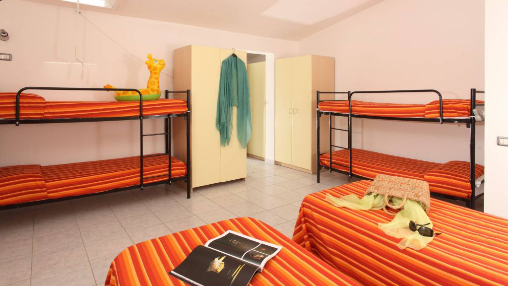 pineto-beach-village-camping-pineto-abruzzo-bungalow-vega-2