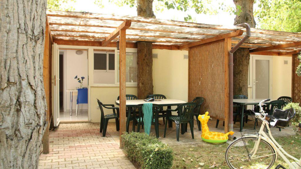 pineto-beach-village-camping-pineto-abruzzo-bungalow-vega-3