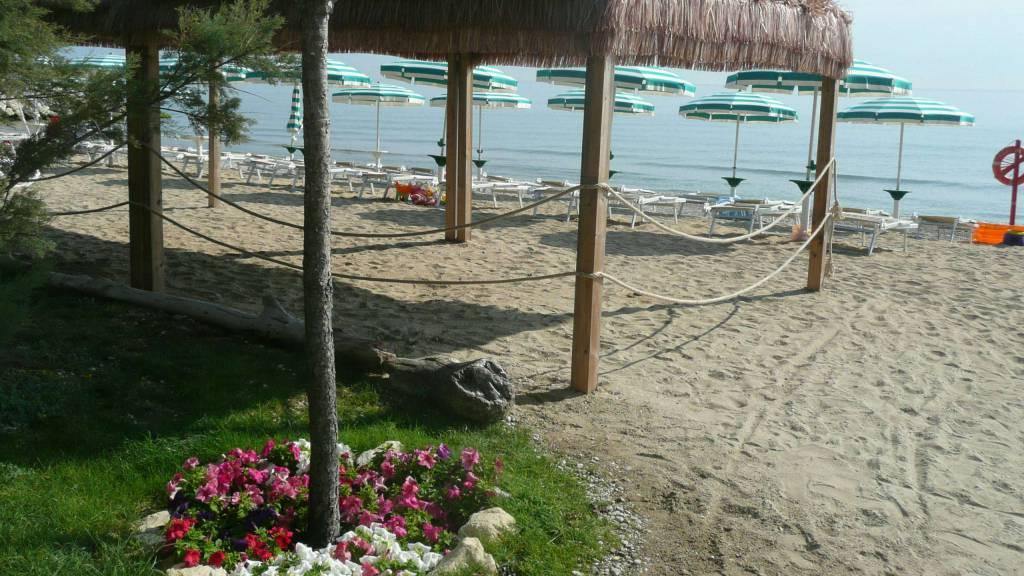pineto-beach-village-camping-pineto-abruzzo-sea-pool-43