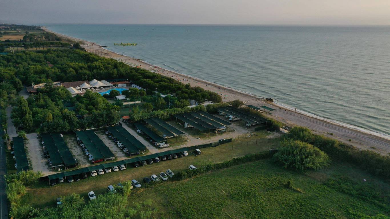 pineto-beach-village-camping-pineto-abruzzo-meer