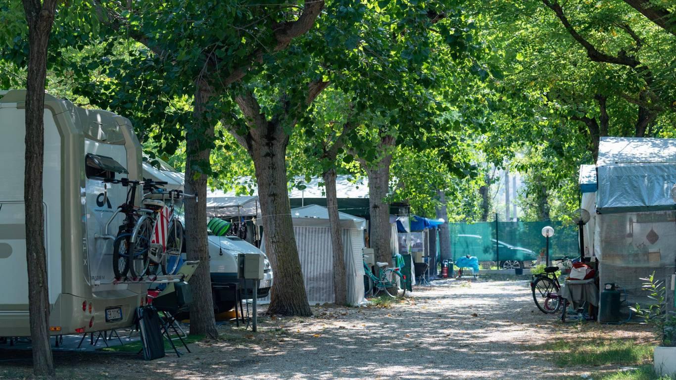 pineto-beach-village-camping-pineto-abruzzo-camper