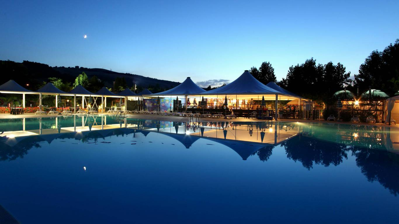 pineto-beach-village-camping-pineto-abruzzo-meer-pool-23