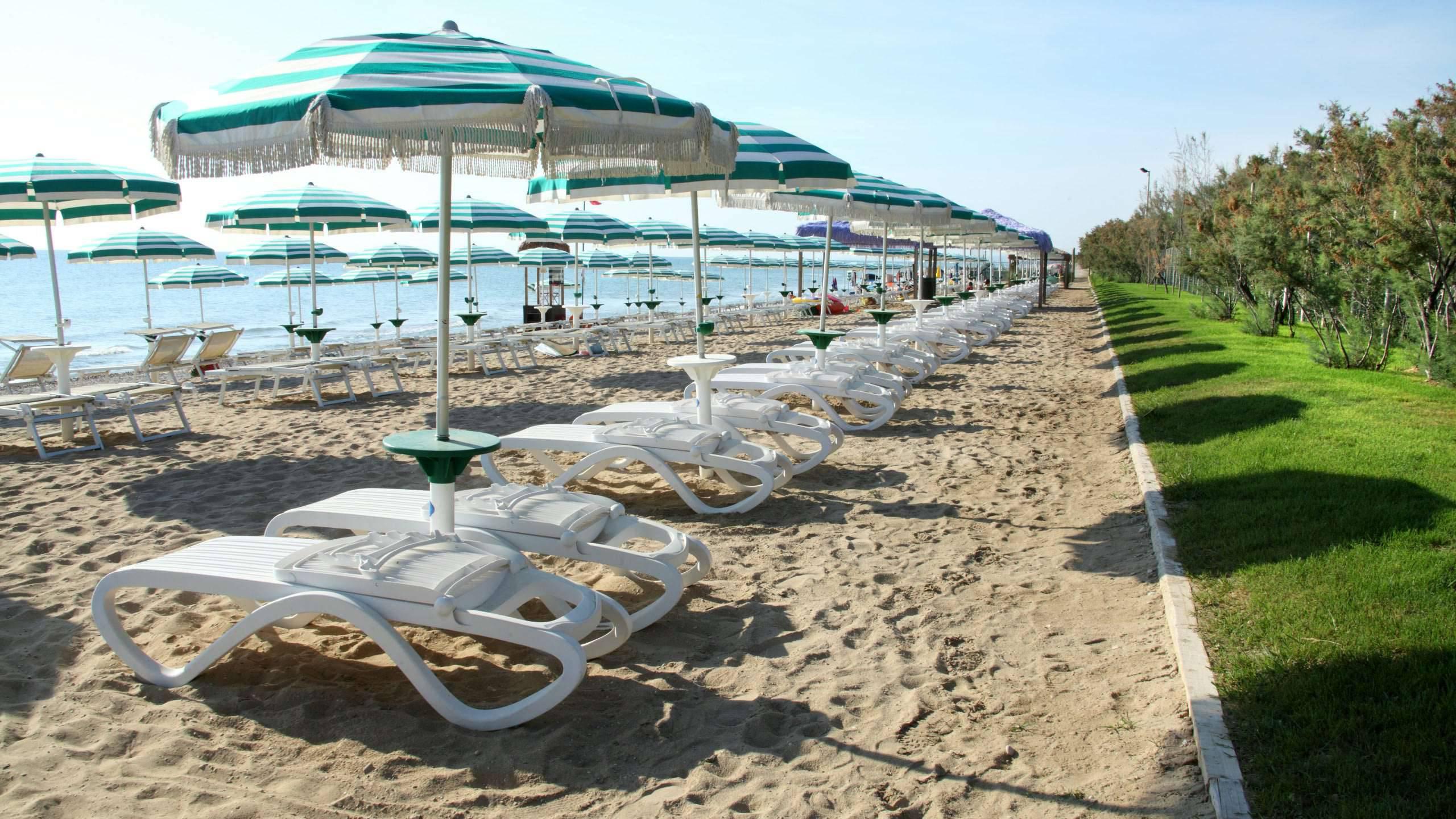 pineto-beach-village-camping-pineto-abruzzo-piscina-mare-38