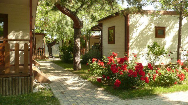 pineto-beach-village-camping-pineto-abruzzo-bungalow-anice-1